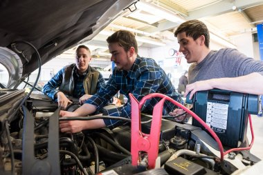 QCC students work on car