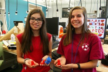 Students in manufacturing lab show off creations