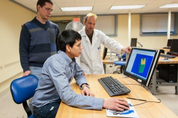 QCC Professor illustrates CAD functions