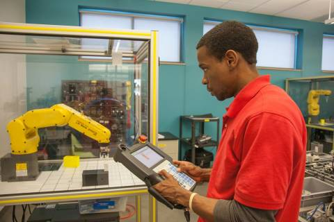 QCC STEM students looking to transfer to a 4-year institution can take advantage of the summer transfer bridge program.