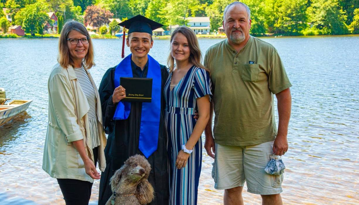 Gateway graduate Tyler Steward and family.