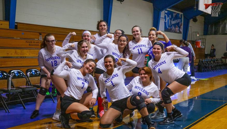 The 2019 Wyvern's Women's Volleyball team.
