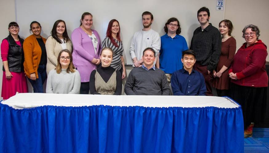 Commonweath Honors Students and their professors Amy Beaudry (R) and Gaelan Lee Benway (L).
