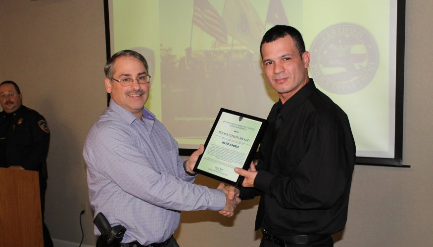 David Aponte receives the Citizen Award