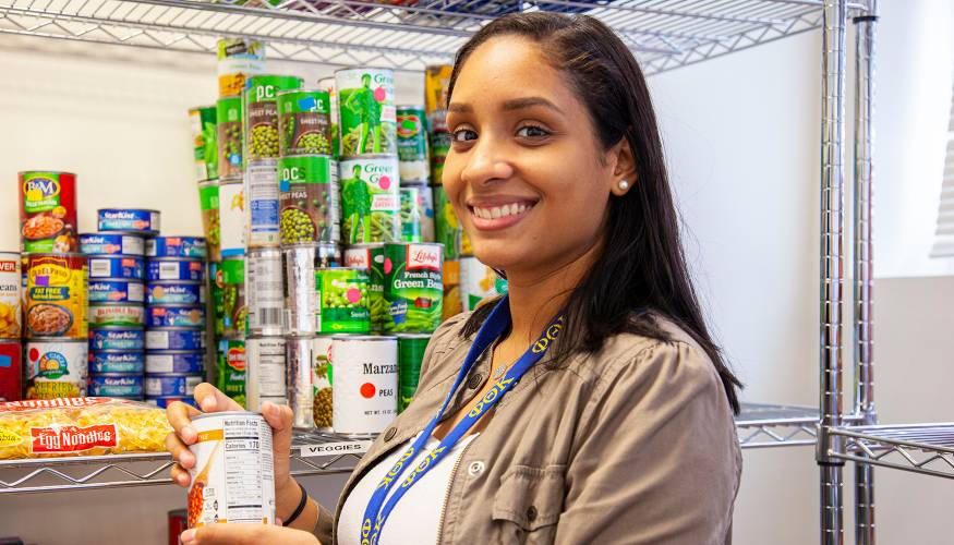 PTK student Luceily Ortiz is a student volunteer at the College's Food Pantry and Resource Center.