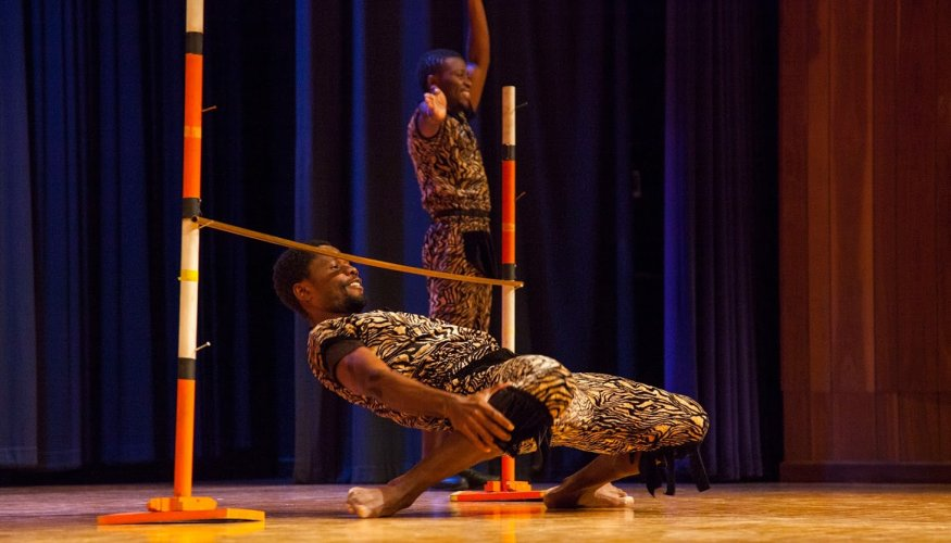 ZuZu Acrobats show how low they can go.