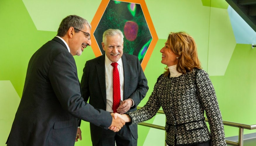 President Luis Pedraja welcomes Lt. Governor Karyn Polito to QCC.