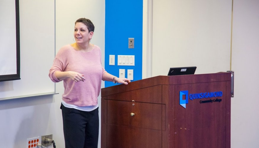 """QCC Counselor Tina Wells discusses healthy relationships in a talk titled, """"Heartthrob or Heartbreak- Building healthy relationships."""""""