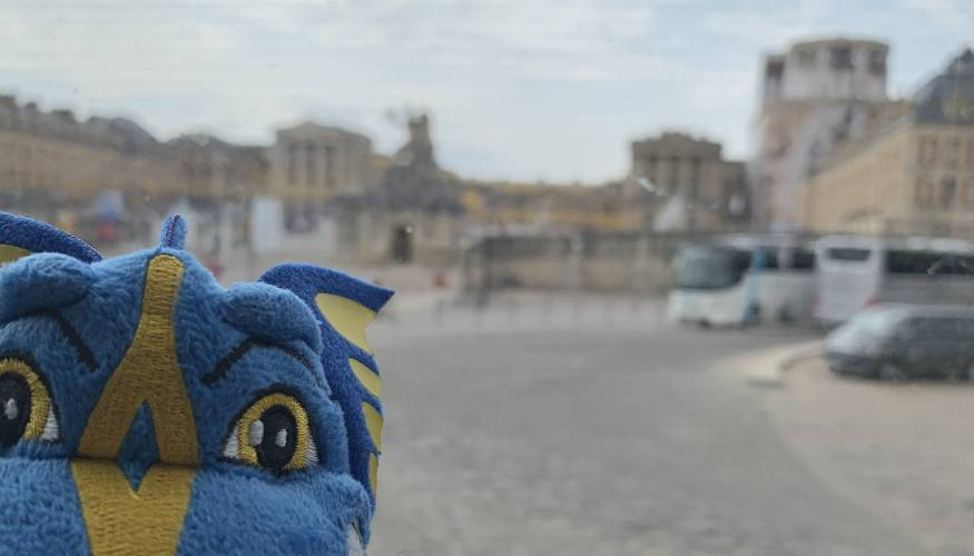 The Wyvern took a bus tour to the Palace of Versailles.